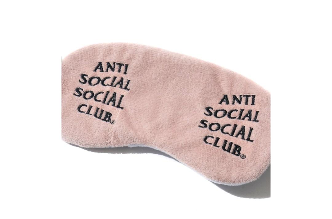 slide 2 - Offline Pink Mask